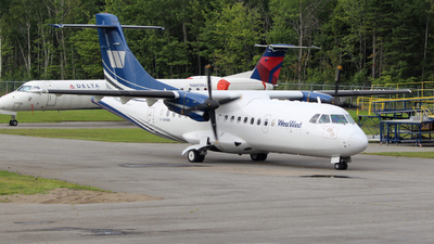 A picture of CGWWR - ATR 42300 - Transwest Air - © Guy Langlois