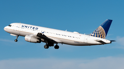 A picture of N490UA - Airbus A320232 - United Airlines - © Michael Place