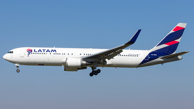 A picture of CCBDA - Boeing 767316(ER) - LATAM Airlines - © SF 340