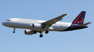 OO-SNM - Airbus A320-214 - Brussels Airlines