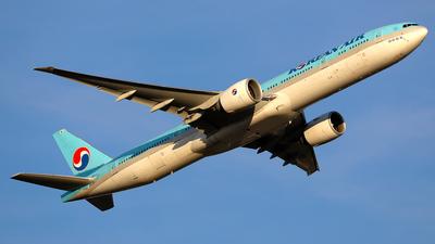 HL8011 - Boeing 777-3B5ER - Korean Air