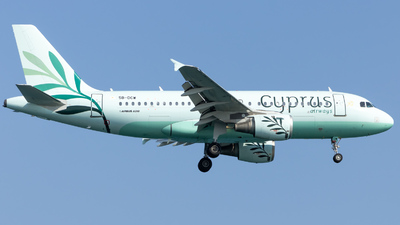 A picture of 5BDCW - Airbus A319114 - Cyprus Airways - © Tobias Green