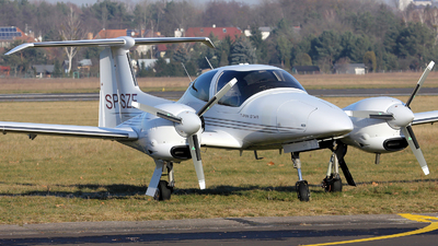 SP-SZE - Diamond DA-42 Twin Star - Private