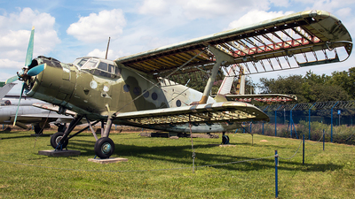 9866 - PZL-Mielec An-2T - Poland - Air Force