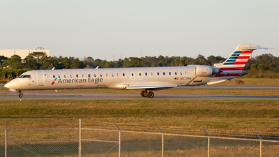 A picture of N577NN - Mitsubishi CRJ900LR - American Airlines - © Wes B
