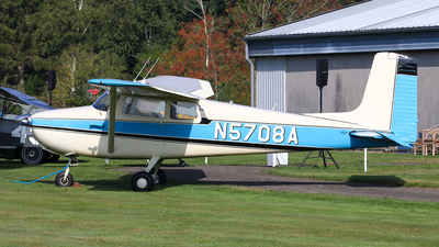 A picture of N5708A - Cessna 172 Skyhawk - [28308] - © BaszB