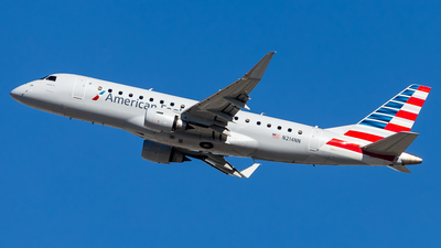 A picture of N214NN - Embraer E175LR - American Airlines - © Brandon Giacomin