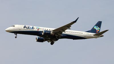 A picture of PRAXE - Embraer E195AR - Azul Linhas Aereas - © Wiliam Braun
