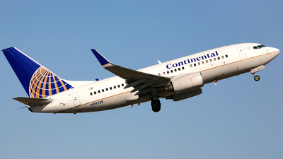 N39728 - Boeing 737-724 - Continental Airlines