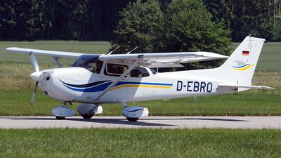 A picture of DEBRO - Cessna 172S - [172S8175] - © Hugo Schwarzer