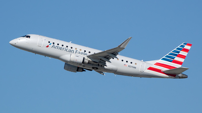 A picture of N215NN - Embraer E175LR - American Airlines - © Stephen J Stein