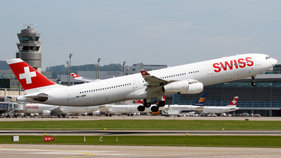 A picture of HBJMH - Airbus A340313 - Swiss - © Cesar Prieto