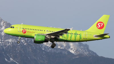 A picture of VPBHV - Airbus A319114 - S7 Airlines - © Karl Dittlbacher