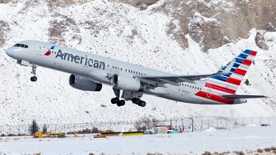 N692AA - Boeing 757-223 - American Airlines