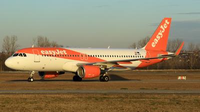 OE-IVU - Airbus A320-214 - easyJet