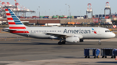 N662AW - Airbus A320-232 - American Airlines