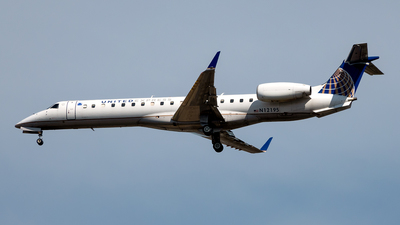 A picture of N12195 - Embraer ERJ145XR - United Airlines - © Yan777