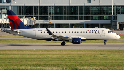 A picture of N298SY - Embraer E175LL - Delta Air Lines - © Daniel Lapierre Forget
