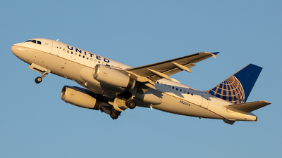 N826UA - Airbus A319-131 - United Airlines