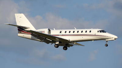 A picture of N370QS - Cessna 680 Citation Sovereign - NetJets - © DJ Reed - OPShots Photo Team