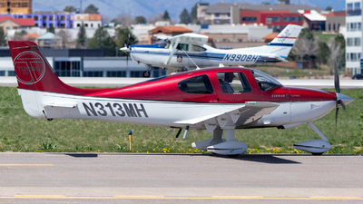 N313MH - Cirrus SR22 G3 Turbo GTS - Private