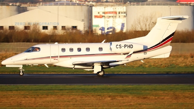 A picture of CSPHD - Embraer Phenom 300 - NetJets - © Ethan Allen