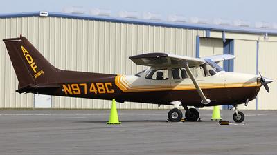 A picture of N974BC - Cessna 172R Skyhawk - [17280044] - © Orlando Suarez