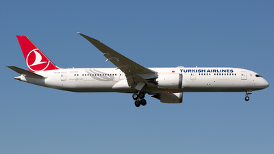 A picture of TCLLD - Boeing 7879 Dreamliner - Turkish Airlines - © Chris Pitchacaren