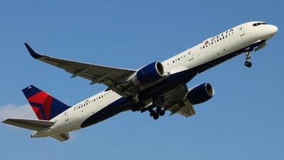 N686DA - Boeing 757-232 - Delta Air Lines