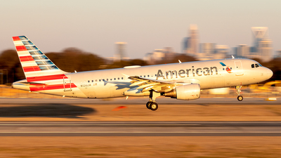 A picture of N126UW - Airbus A320214 - American Airlines - © Yan777