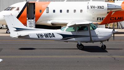 A picture of VHWDA - Cessna 172N Skyhawk - [17268911] - © Nicholas Kimura