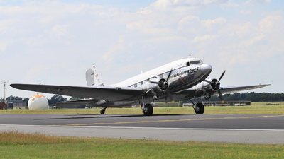 N47E - Douglas DC-3 - Private