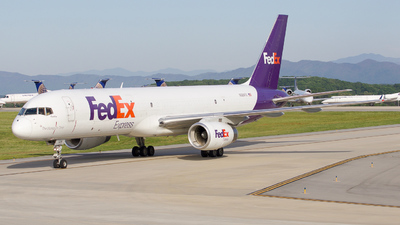 N928FD - Boeing 757-28A(SF) - FedEx