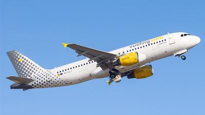 EC-LLJ - Airbus A320-214 - Vueling