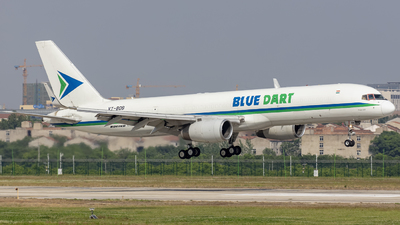 A picture of VTBDB - Boeing 75723N(PCF) - Blue Dart Aviation - © Eric Wang