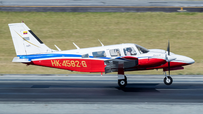 HK-4582-G - Piper PA-34-220 Seneca III - Private