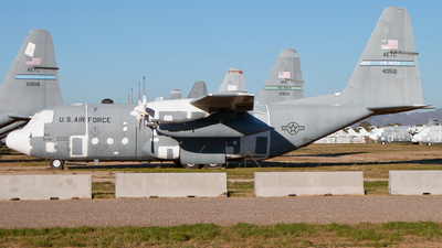 64-0512 - Lockheed C-130E Hercules - United States - US Air Force (USAF)