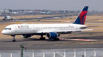 A picture of N679DA - Boeing 757232 - Delta Air Lines - © Juan Carlos Alvarez (MAS Aviation Press)