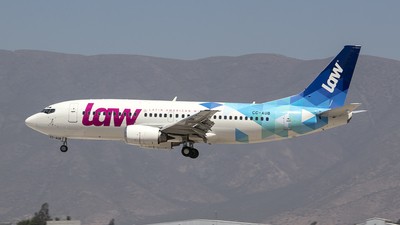 CC-AUB - Boeing 737-33A - LAW - Latin American Wings
