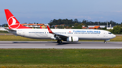 A picture of TCJYI - Boeing 7379F2(ER) - Turkish Airlines - © Carlos Miguel Seabra