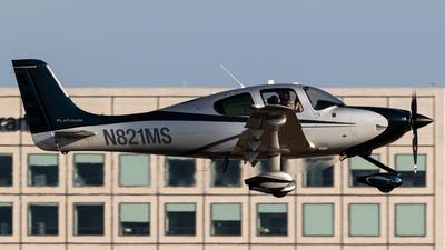 A picture of N821MS - Cirrus SR22 - [4052] - © Alex Crail