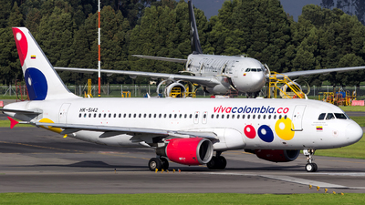 HK-5142 - Airbus A320-214 - VivaColombia