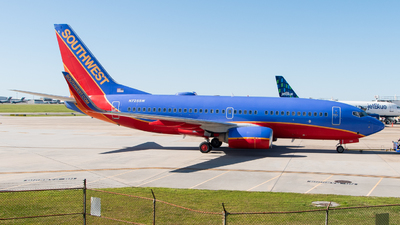 N725SW - Boeing 737-7H4 - Southwest Airlines