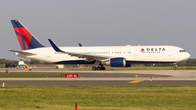 A picture of N152DL - Boeing 7673P6(ER) - Delta Air Lines - © Luis Bastardo | @lb.planes