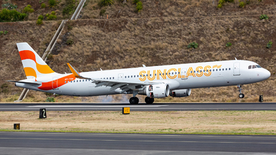 A picture of OYTCH - Airbus A321211 - Sunclass Airlines - © Nelson Sousa