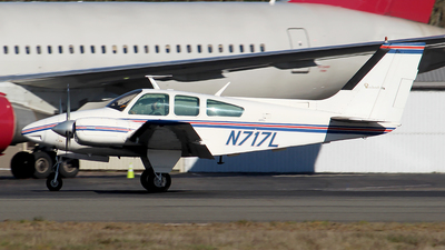 A picture of N717L - Beech 95B55 Baron - [TC1495] - © Huy Do