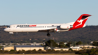 VH-NQE - Fokker 100 - QantasLink (Network Aviation)