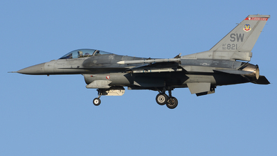 90-0821 - General Dynamics F-16CJ Fighting Falcon - United States - US Air Force (USAF)