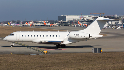 M-AVIR - Bombardier BD-700-1A10 Global 6000 - Private