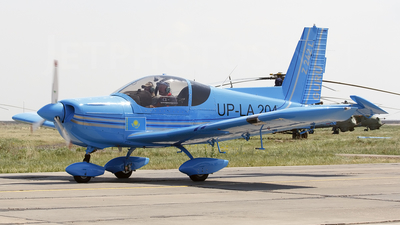 UP-LA204 - Zlin Z-242L - Private